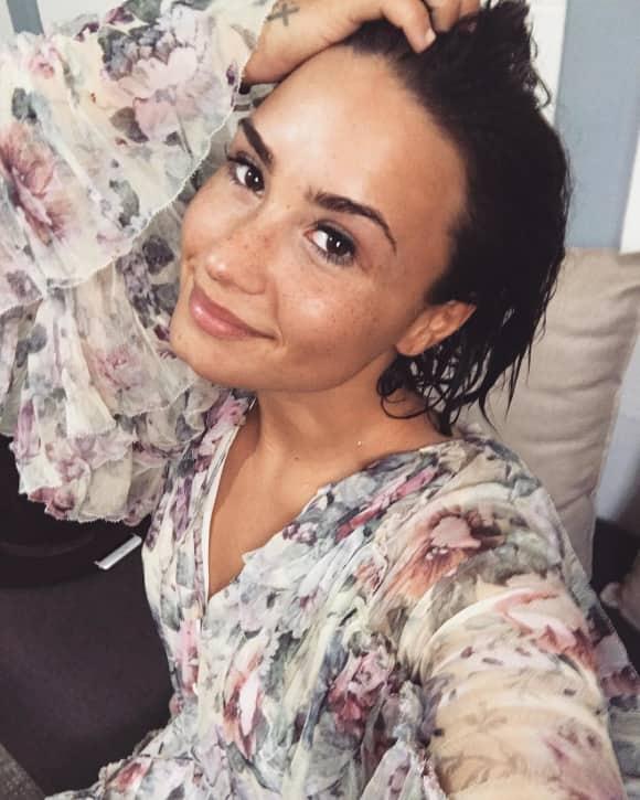 Demi Lovato zeigt sich ungeschminkt auf Instagram