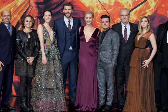 """""""Tribute von Panem""""-Cast Berlin """"Mockingjay Teil 2""""-Premiere"""