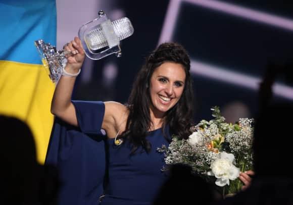 Ukraine-Vertreterin Jamala kann ihren ESC-Sieg kaum fassen