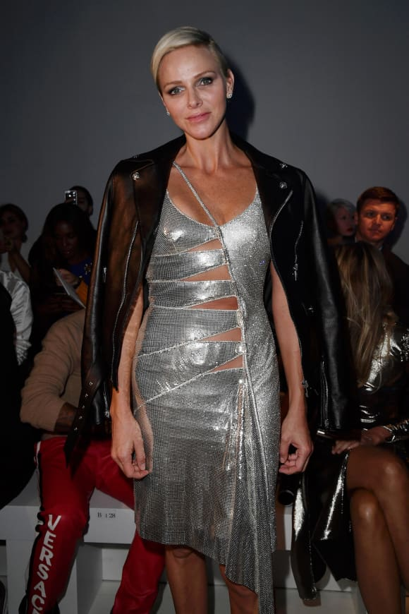 Princess Charlene of Monaco in a stylish Cut-Out-dress
