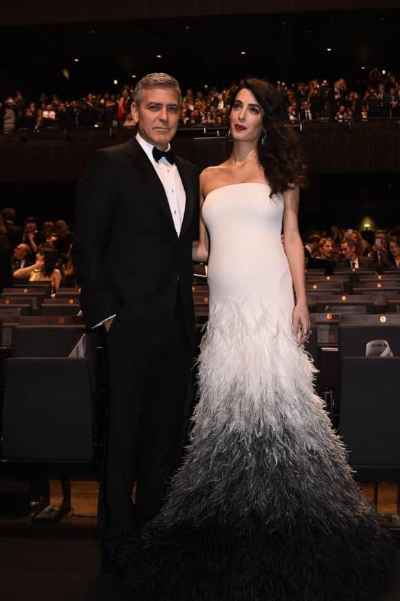 Amal Clooney erstrahlt im Baby-Glow