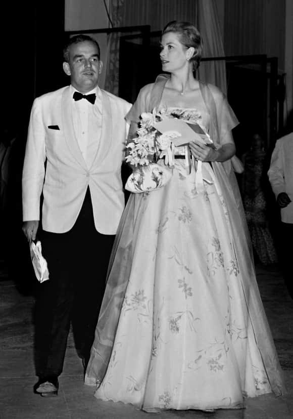 Grace Kelly und Fürst Rainer III. von Monaco bei einer Veranstaltung