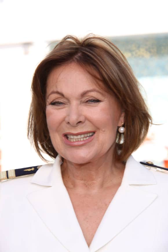 """Heide Keller verlässt nach 35 Jahren das ZDF """"Traumschiff"""" Chef Stewardess Beatrice"""