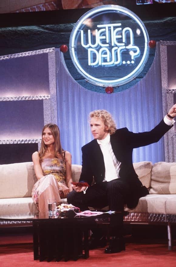 """Heidi Klum und Thomas Gottschalk im Jahr 1999 bei """"Wetten, dass..?"""""""