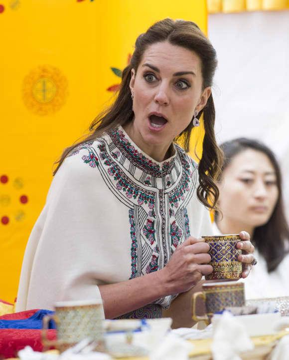 Bei ihrem Besuch in Indien entgleisten Kate die Gesichtszüge