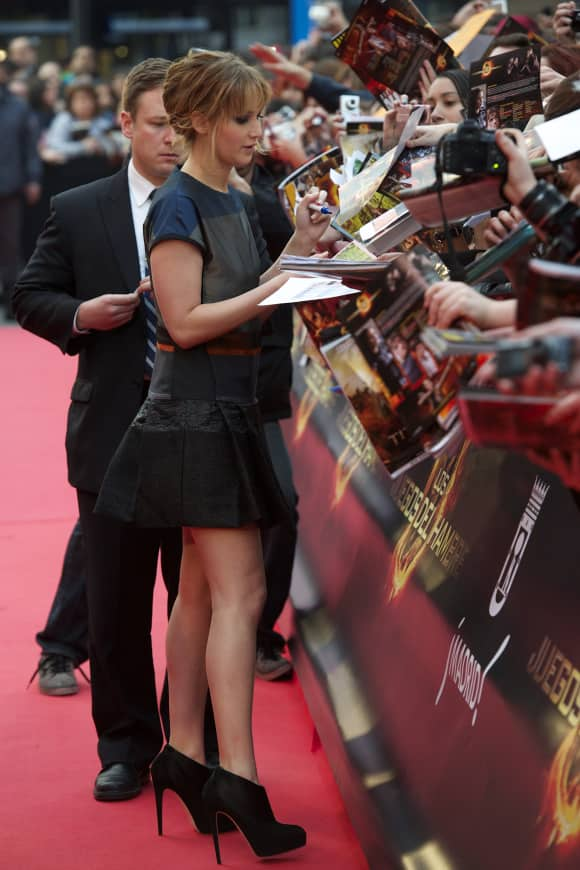 Jennifer Lawrence ist Linkshänderin