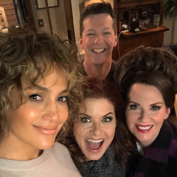 "Jennifer Lopez schießt lustiges Selfie am ""Will & Grace""-Set"