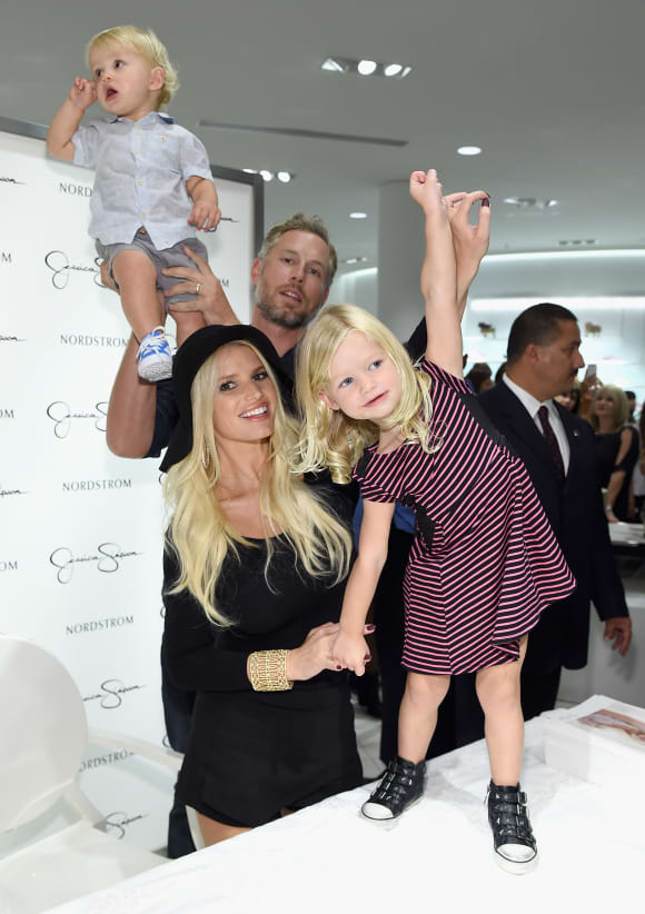 Jessica Simpson and Eric Johnson with their two kids