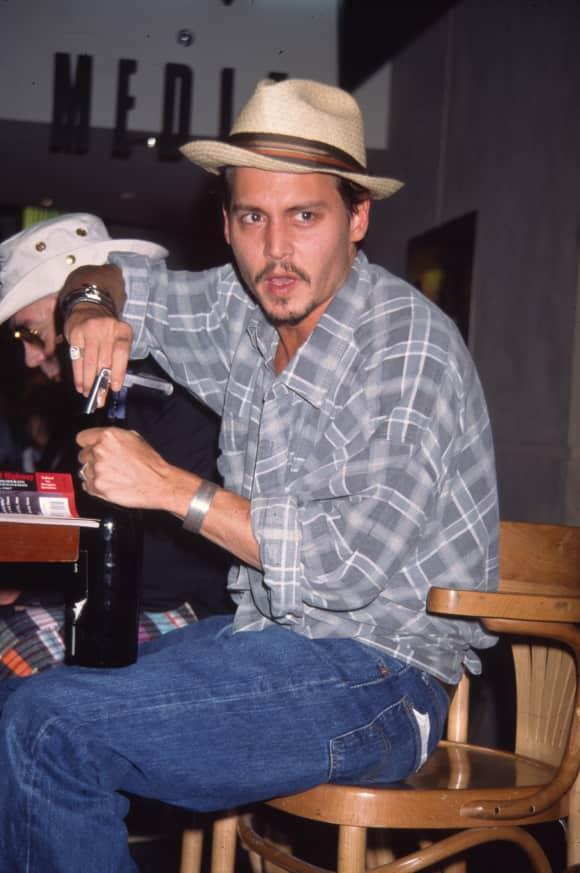 Johnny Depp trinkt leidenschaftlich gern Rotwein