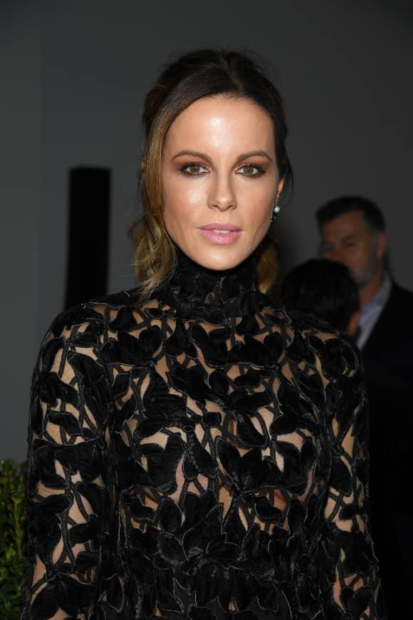 Kate Beckinsale während der Pariser Fashion Week 2019