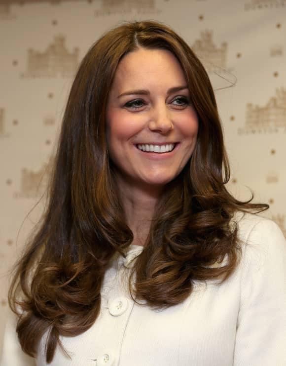 """Herzogin Kate besuchte das Set der britischen TV-Serie """"Downton Abbey"""""""