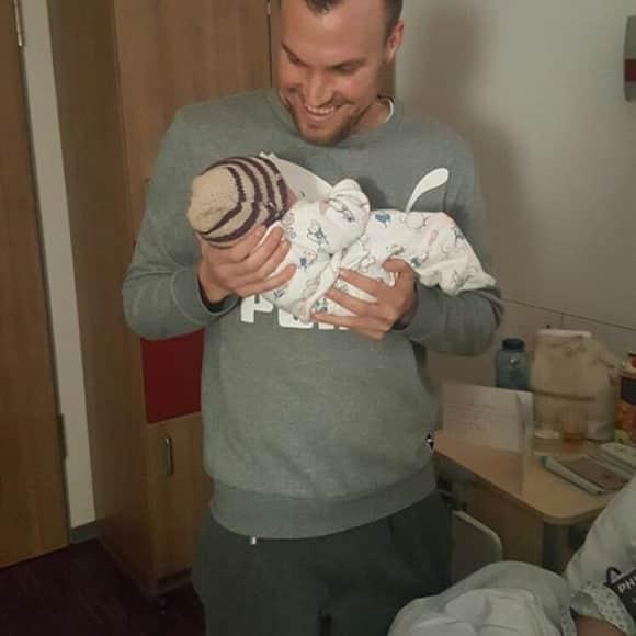 Kevin Großkreutz zeigt sich erstmals mit Baby Leonie