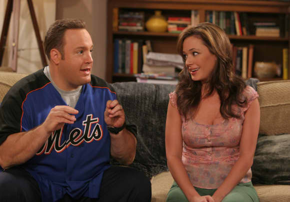 """Doug"" und ""Carrie"": Kevin James und Leah Remini in ""King of Queens"""