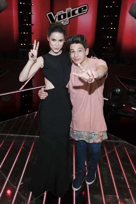 """Lena Meyer-Landrut und Noah-Levi, der Gewinner von """"The Voice Kids"""" 2015"""