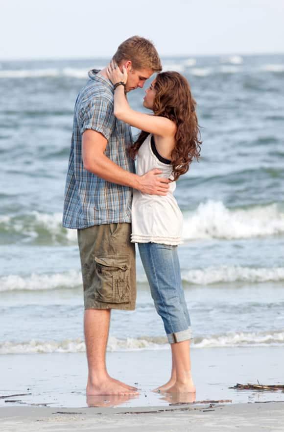 """Liam Hemsworth und Miley Cyrus in """"Mit dir an meiner Seite"""""""