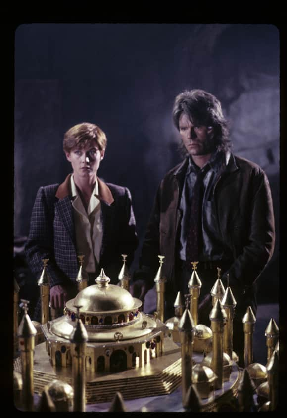 """Richard Dean Anderson and Lise Cutter in """"MacGyver"""""""