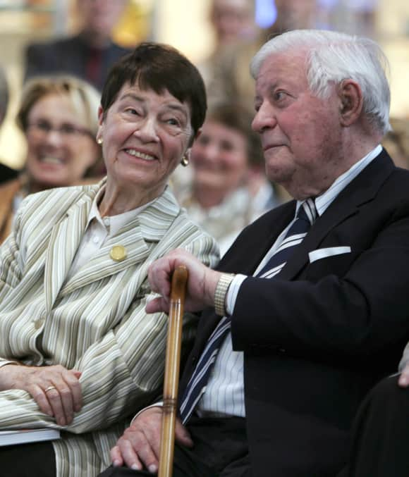 Loki und Helmut Schmidt heirateten 1942. 2010 starb Loki.