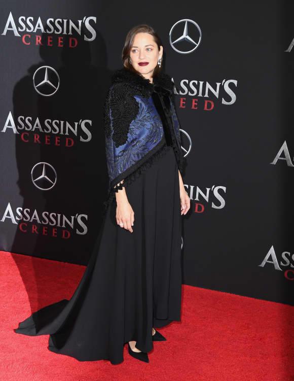 Marion Cotillard zeigt ihren großen Babybauch (Dezember 2016)