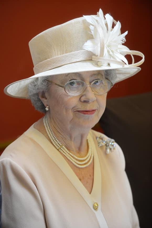 Mary Reynolds ist das Lookalike von Königin Elisabeth