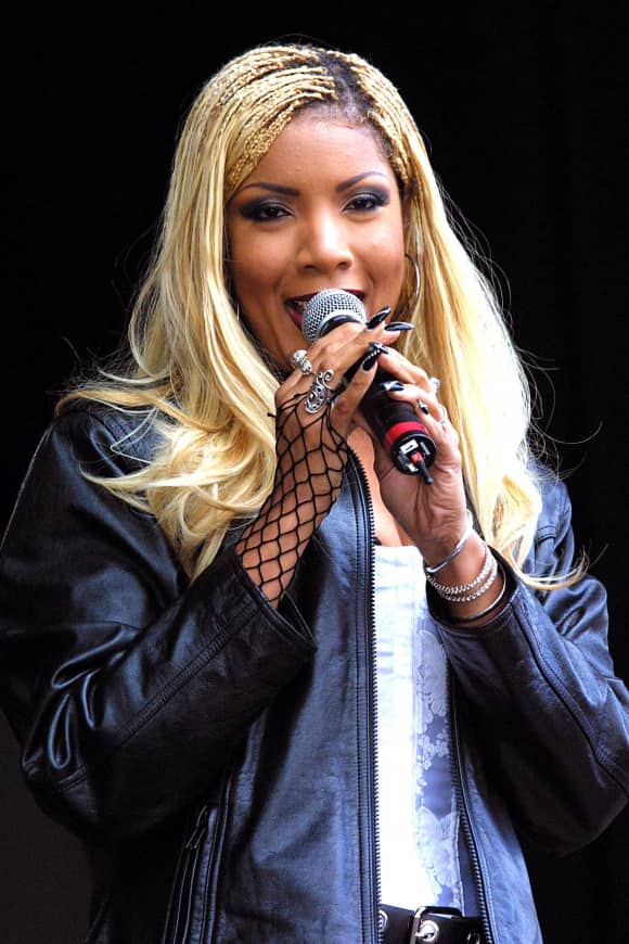 Melanie Thornton died in a plane crash