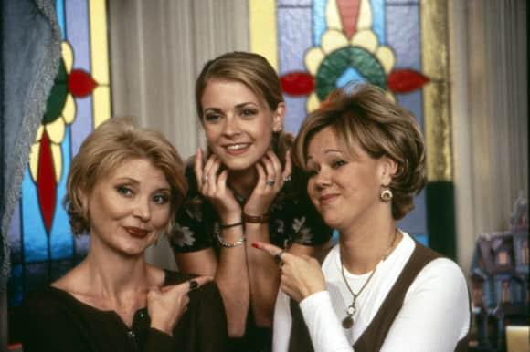 """Sabrina, the Teenage Witch"" stars Melissa Joan Hart, Caroline Rhea and Beth Broderick"