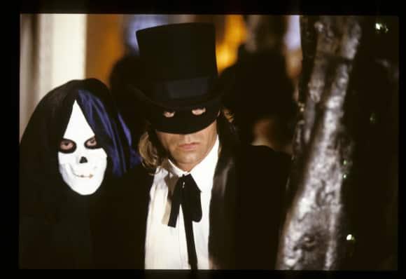 """Richard Dean Anderson and Michael de Barres in """"MacGyver"""""""
