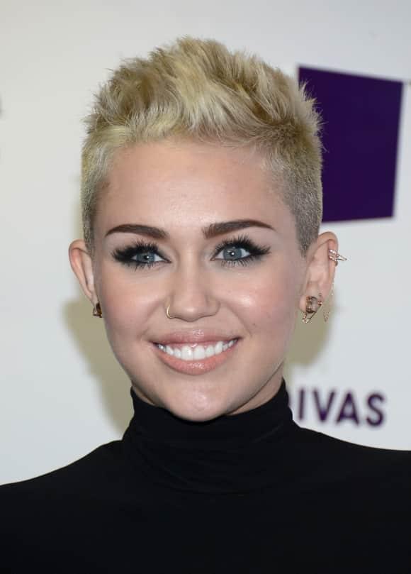 Miley Cyrus Piercings