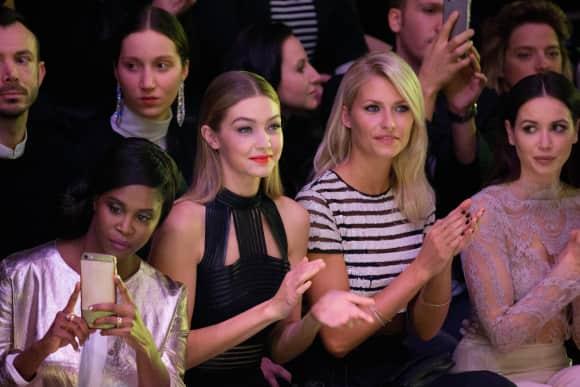 Motsi, Gigi, Lena und Mandy in der Frontrow in Berlin