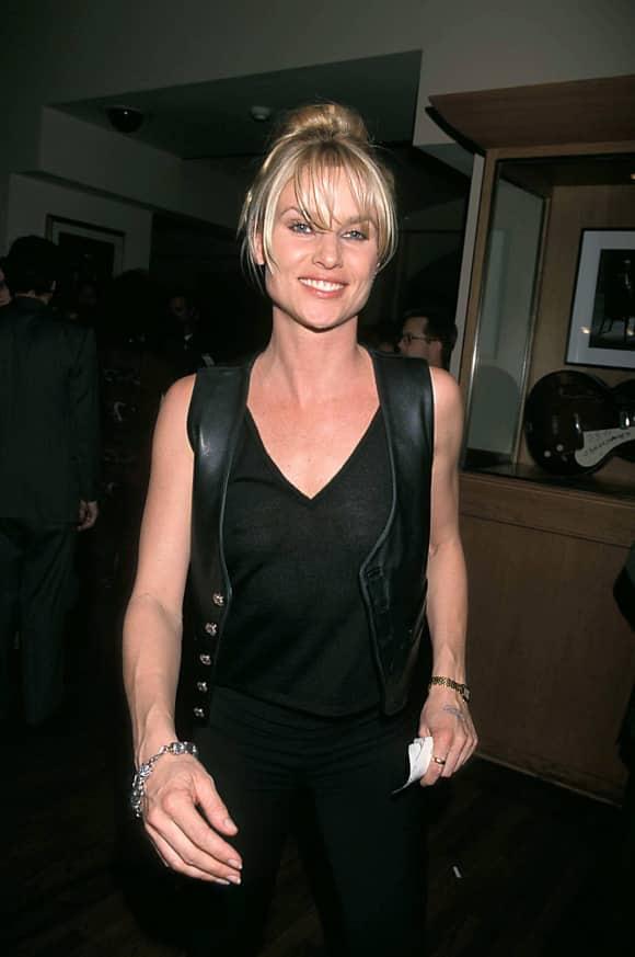 Nicollette Sheridan in 1998