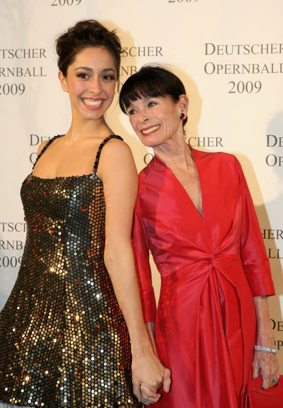Oona Castilla and Geraldine Chaplin