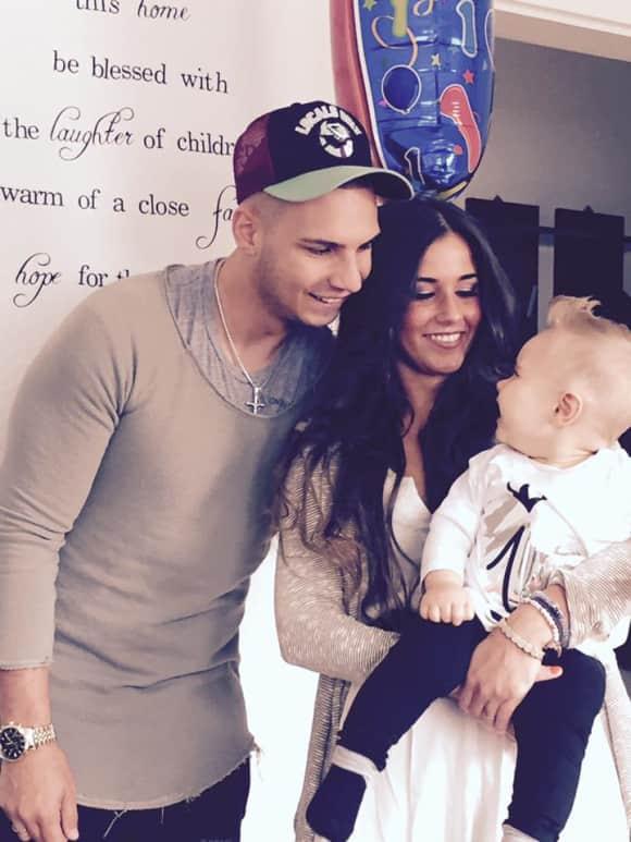 Pietro und Sarah Lombardi zeigen stolz ihren Sohn Alessio