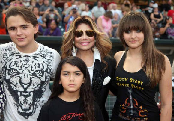 Prince Michael Jackson I., LaToya Jackson, Paris Jackson and Blanket Jackson