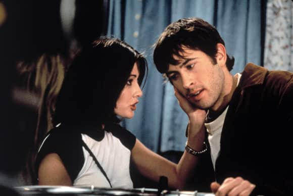 Shannen Doherty and Jason Lee in Mallrats
