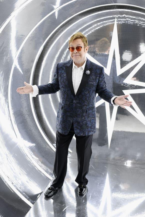 Die besten Bilder von Sir Elton John im Laufe der Jahre