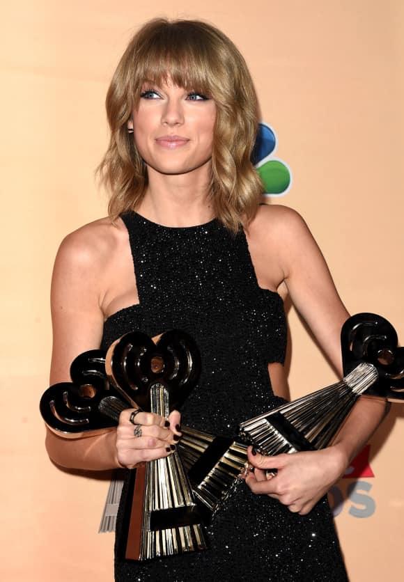 Taylor Swift war bei den iheart Radio Awards die Abräumerin des Abends