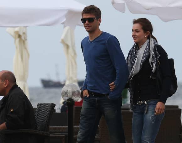 Thomas Müller und seine Ehefrau Lisa