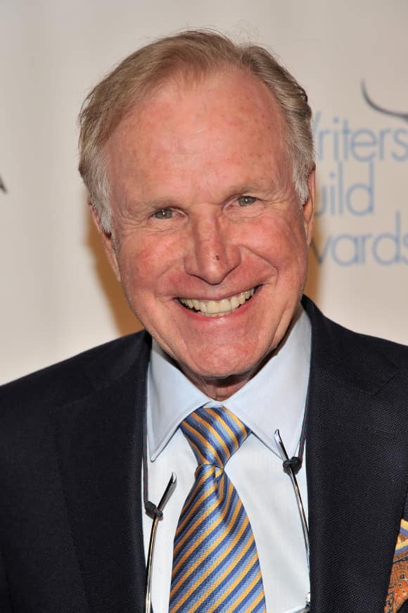 """M*A*S*H"" star Wayne Rogers died at the age of 82"