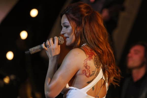 Andrea Bergs Tattoos: Ein Feuervogel, ein Traumfänger und sie hat auch einen Schmetterling