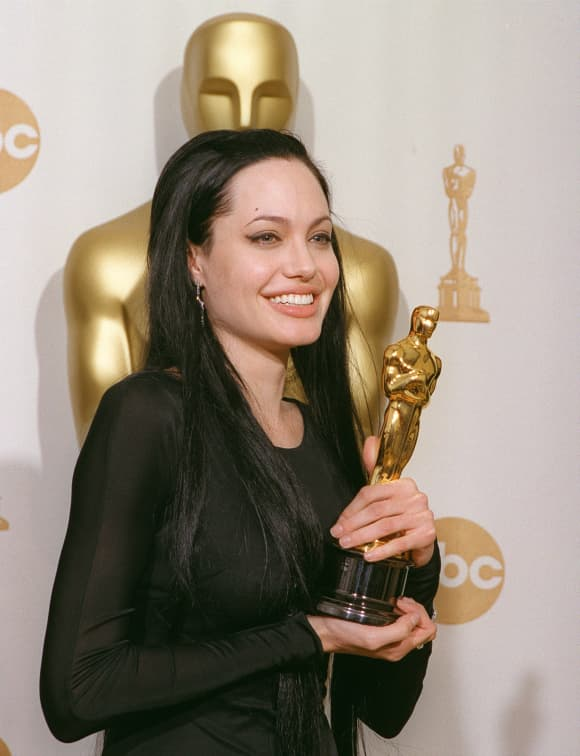 Angelina Jolie at the 72nd Academy Awards
