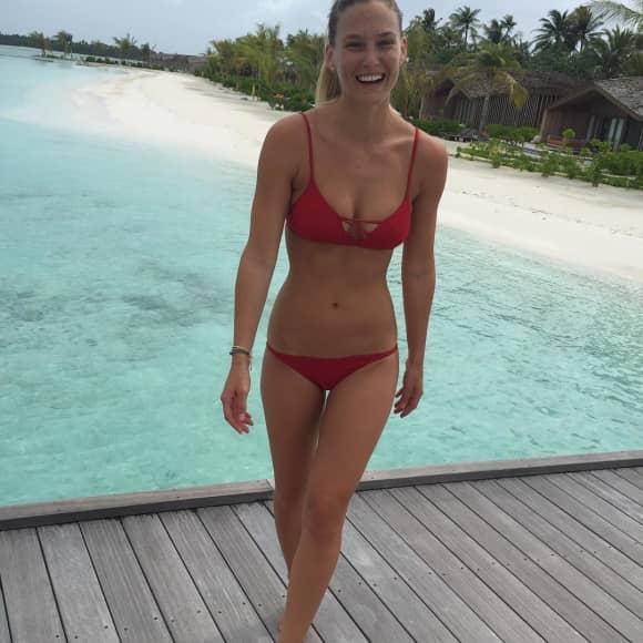 Bar Refaeli im Bikini
