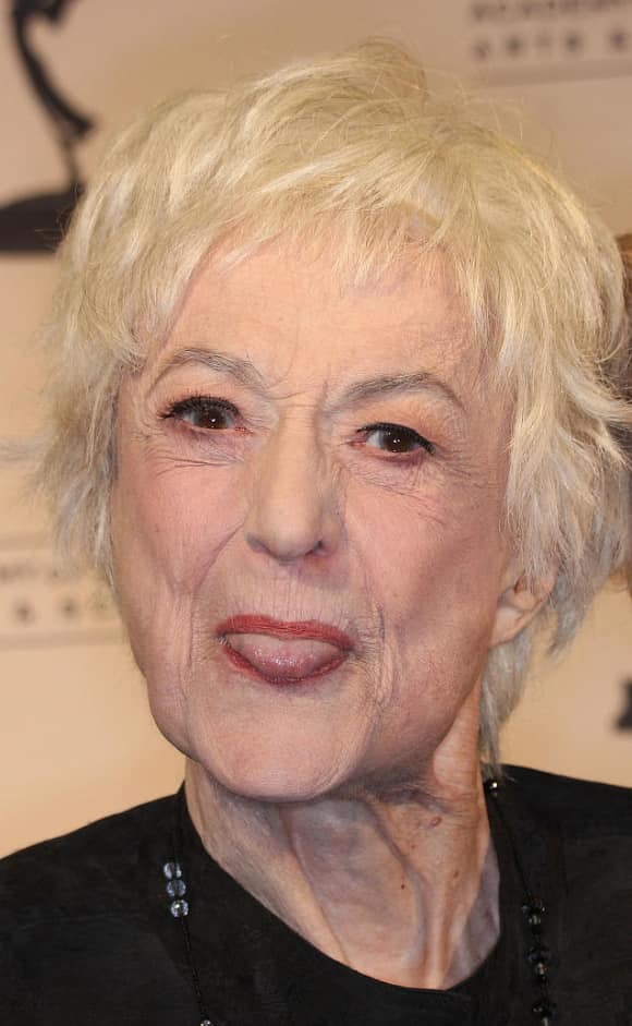 Beatrice Arthur (Dorothy Zbornak) died at the age of 86 in 2009.