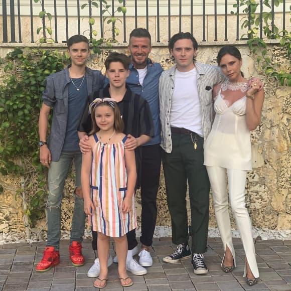 Romeo, Harper, Cruz, David, Brooklyn und Victoria Beckham