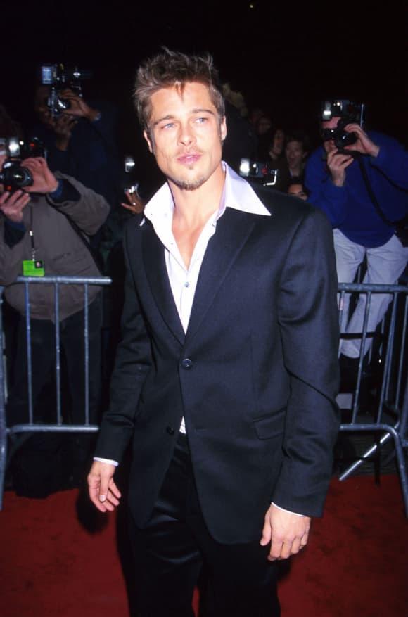 Brad Pitt at the 'Meet Joe Black' Premiere