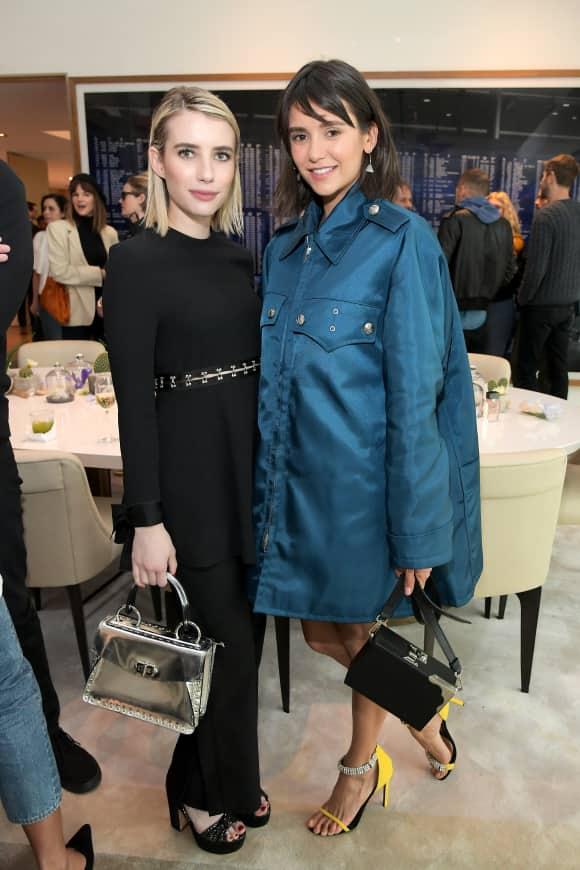 Emma Roberts und Nina Dobrev auf einer Hollywood-Party