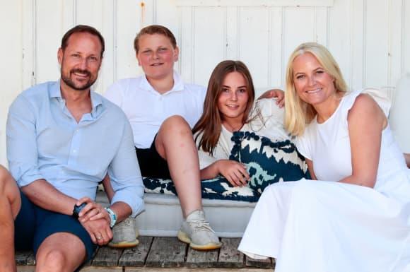 Mette-Marit Haakon Ingrid Alexandra Sverre Magnus Urlaub