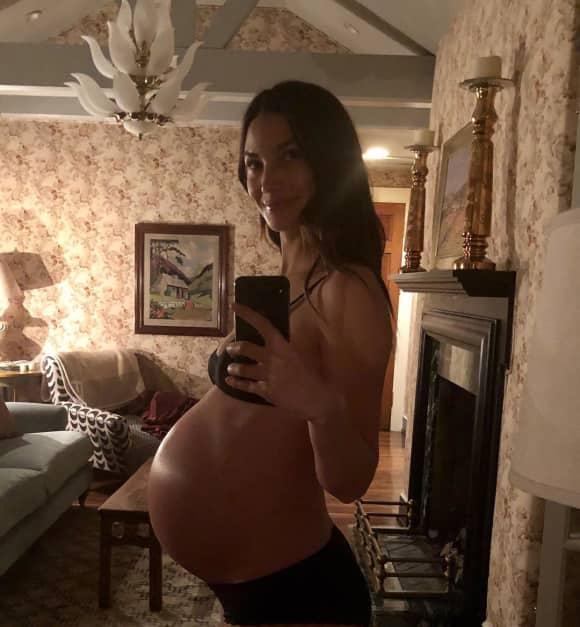 Lily Aldridge zeigt ihren riesigen Babybauch