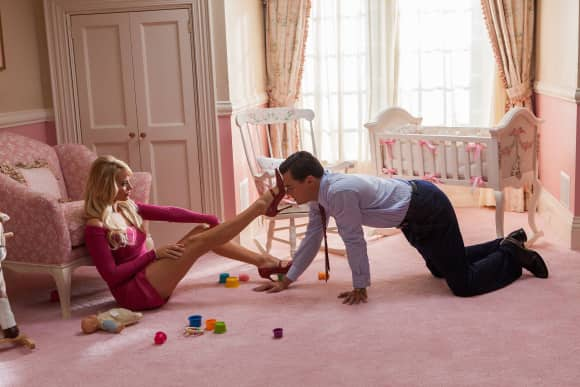"Margot Robbie und Leonardo DiCaprio in ""The Wolf of Wall Street"""