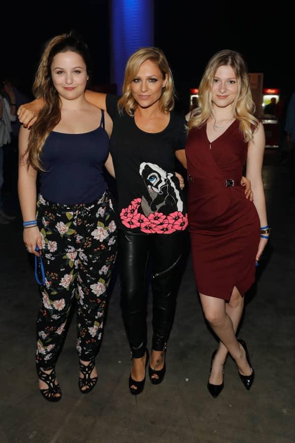 Michelle mit ihren Töchtern Celine Oberloher und Marie-Louise Reim bei DSDS
