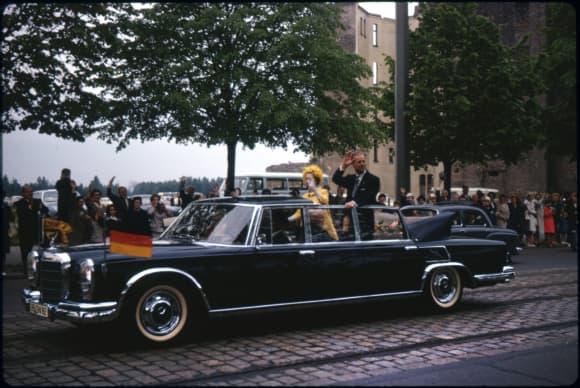 Königin Elisabeth II. und ihr Mann Prinz Philip in Deutschland im Jahr 1965
