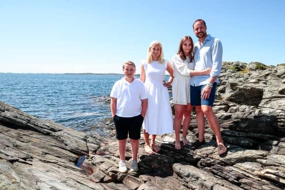 Prinz Sverre Magnus, Prinzessin Mette-Marit, Prinzessin Ingrid Alexandra und Prinz Haakon Urlaub